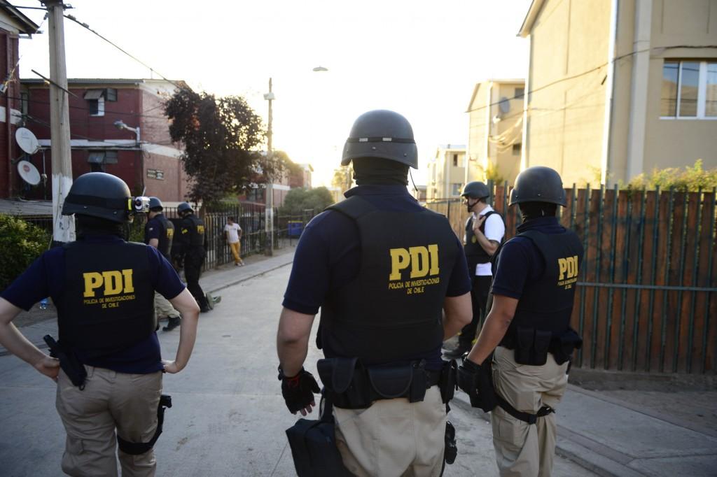 poilicias, policia en poblacion, PDI, PDI en poblacion