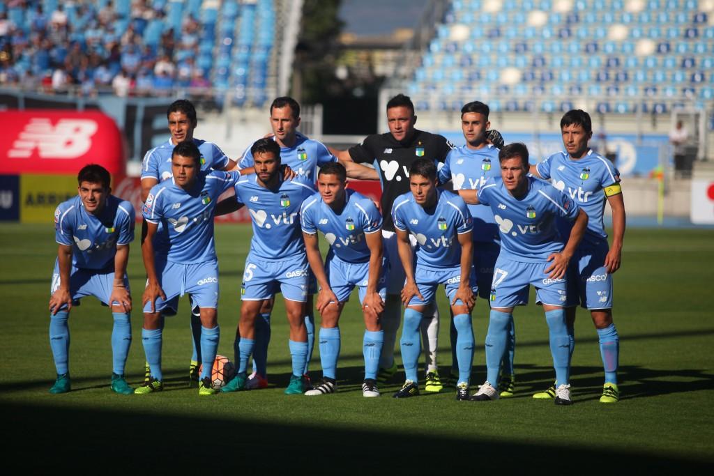Pinto; Opazo, Acevedo, Osorio, Bravo; Fuentes, Márquez, Sosa; Lezcano, Calandria y el Gladiador del Gol Insaurralde