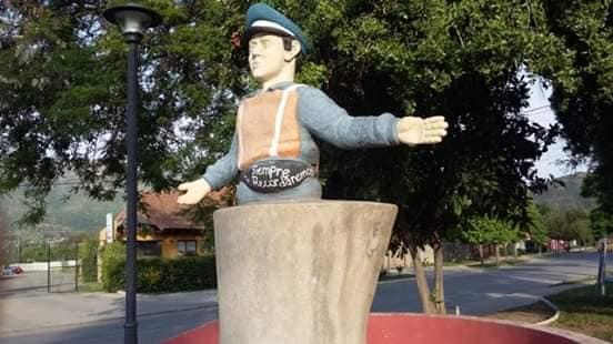 evaristo 2 monumento
